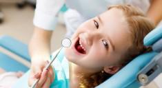 Как детям лечат зубы под наркозом?