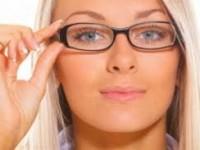 Зрение – «минус», макияж – «плюс»