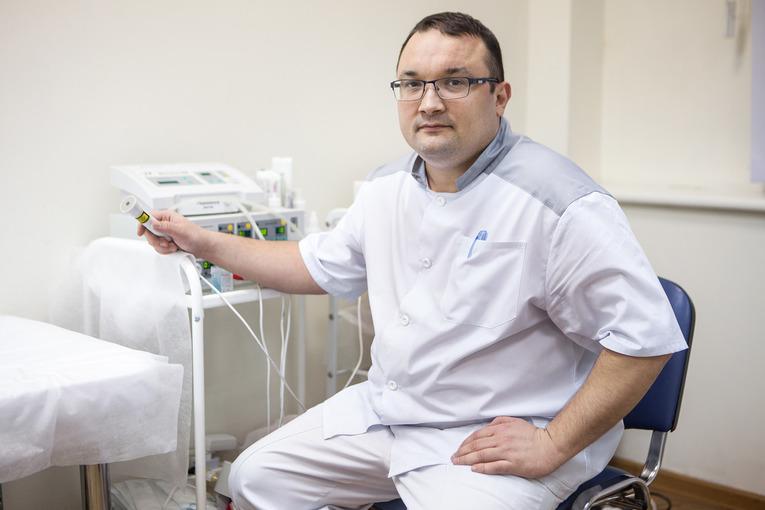 венеролог лечит папулы на члене у мужчин